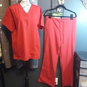 Cherokee Red Scrub Set Size M